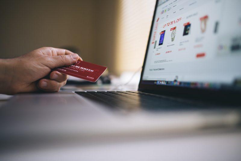 De ce brandul tău are nevoie de un magazin online